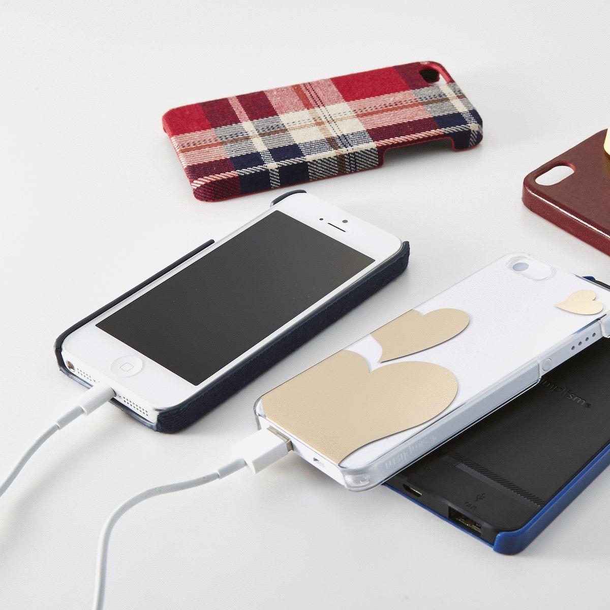 iPhone持ってなくても欲しくなる?iPhone用ケースが装着できる72g超軽量モバイルバッテリー