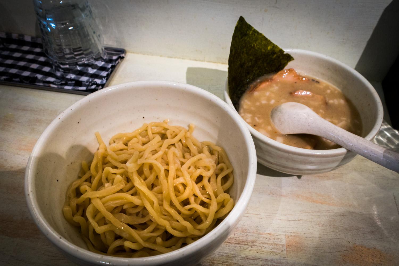 ドロっと超濃厚クリーミーつけ麺「ホタテの69つけ麺」新橋ORAGA(おらが)